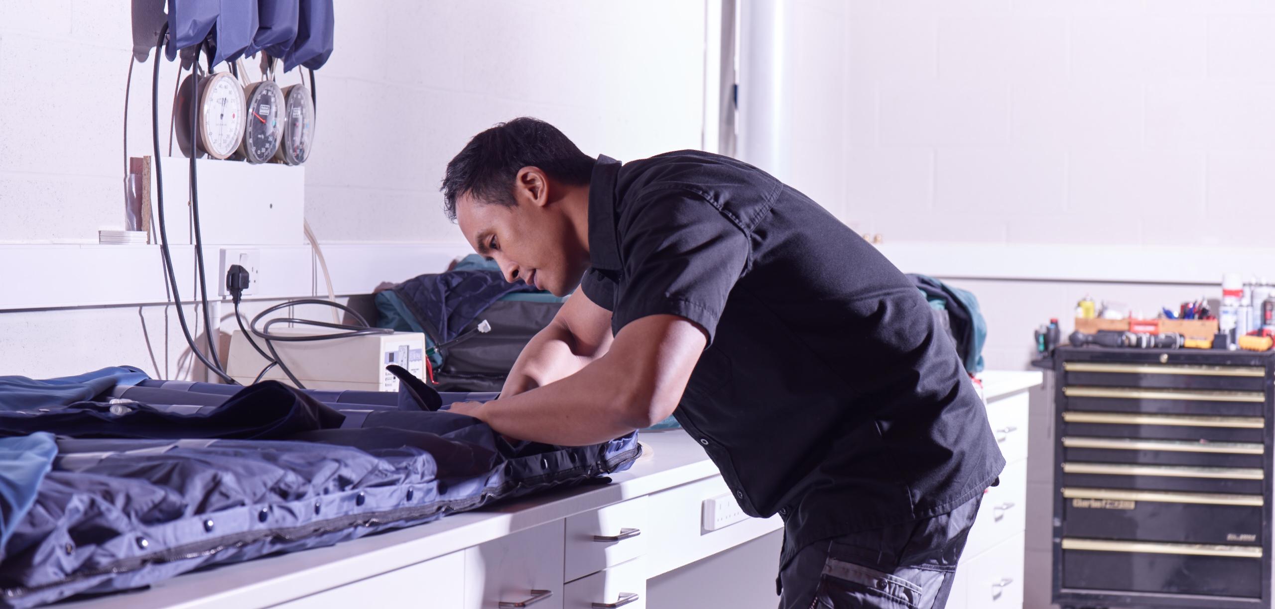 medaco-technician-mattress-repair