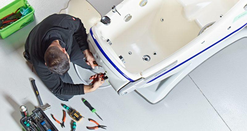 medaco-engineer-arjo-bath-repair